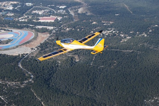 Elektra One flies near Cannes, France in 2013.  Sun Flyer trainer will have fixed tricycle gear