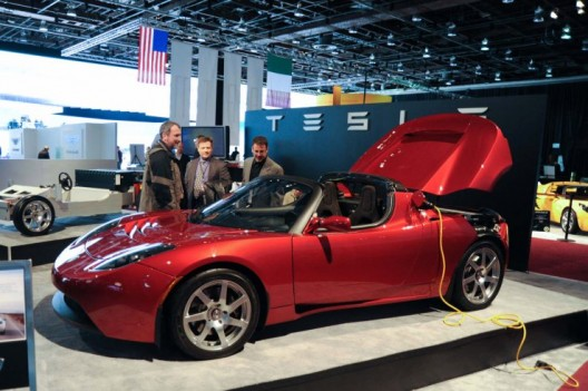 Tesla's Rev. 3 Roadster adds 31% more powerful battery pack, low rolling resistance tires and an aero package to increase range to 400 miles