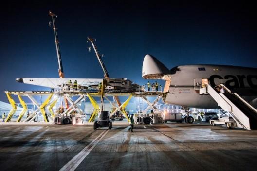 Unloading SI2 in Abu Dhabi
