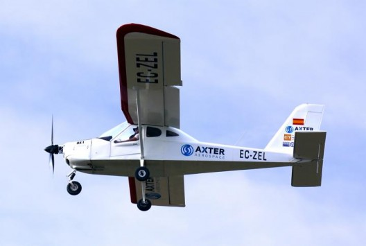 Axter's test vehicle, a Tecnam with the small Emrax motor between the engine and the propeller
