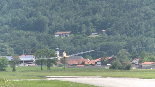 Takeoff from Lienz shows effects of strong crosswind