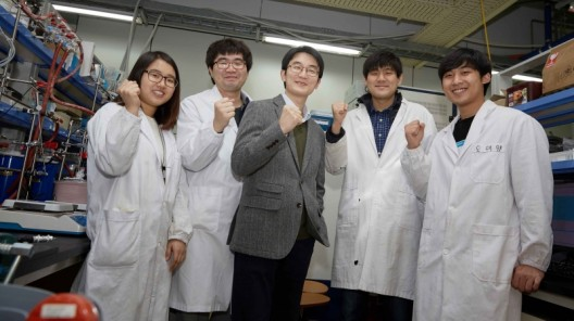 UNIST team was joined by researchers from Seoul National University, Lawrence Berkeley National Laboratory and Brookhaven National Laboratory