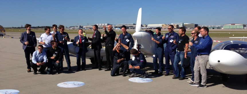 A successful team is a happy team - HY4 pilots, technicians and mechanics made an aviation first possible